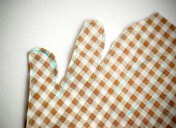 Bella Dia handprint turkey softie tutorial sew cut snip