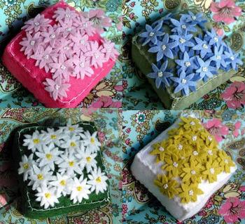4scatteredflowerspc