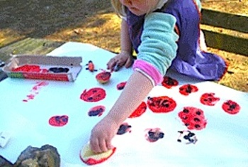 Kidscraftweeklyladybugprints_2