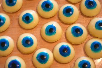 Eerie_eyeballs_1