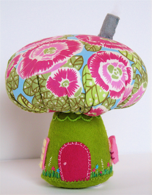 Mushroom House: Pink/Green