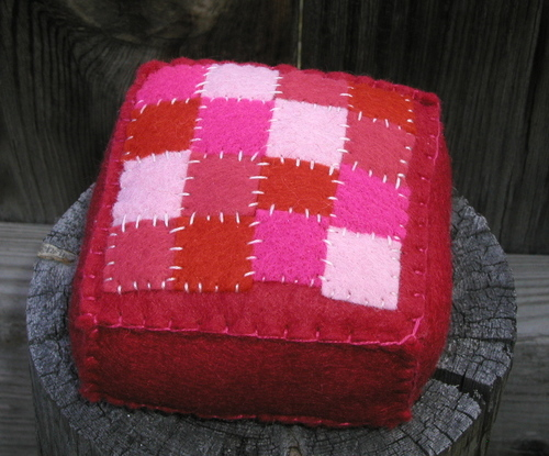 Pincushion: Quilt Pink and Red