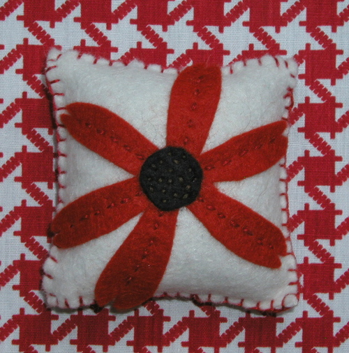 Pin Tuffet: Red Flower